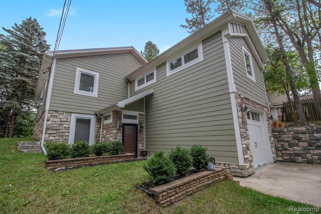 1608 Ray Court, Orion Twp, MI 48362 (MLS #219092486) :: The Toth Team