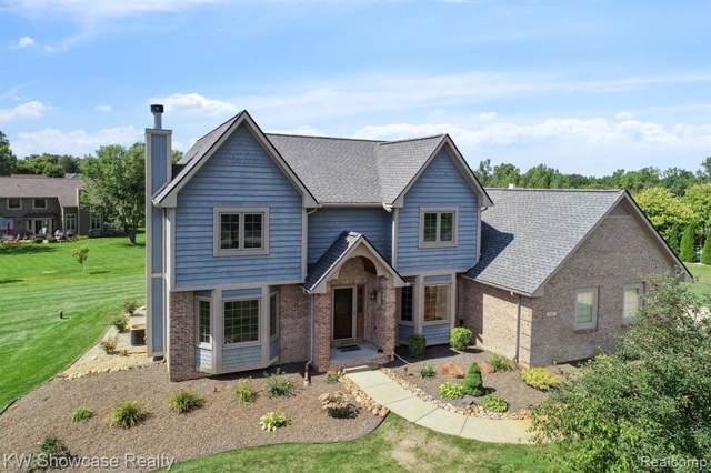 921 Kyle Crt, White Lake Twp, MI 48383 (#219094132) :: The Buckley Jolley Real Estate Team