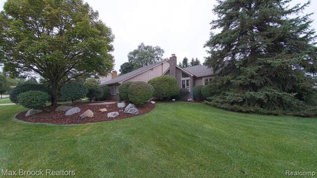 2128 Russet Drive, Troy, MI 48098 (#219094916) :: RE/MAX Nexus