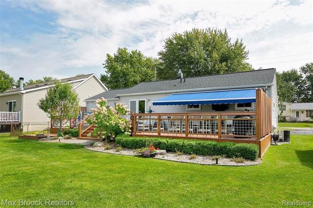 1160 Otter Avenue, Waterford Twp, MI 48328 (MLS #219094921) :: The Toth Team