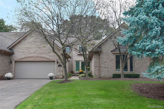 4973 Bloomfield Ridge, Bloomfield Twp, MI 48302 (#219100698) :: The Buckley Jolley Real Estate Team