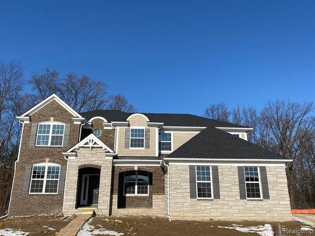 4522 Twin Beach Court, West Bloomfield Twp, MI 48323 (#219100699) :: The Buckley Jolley Real Estate Team