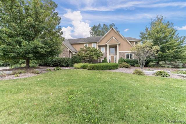 8897 Stoney Creek Drive, Green Oak Twp, MI 48178 (#219102635) :: The Mulvihill Group