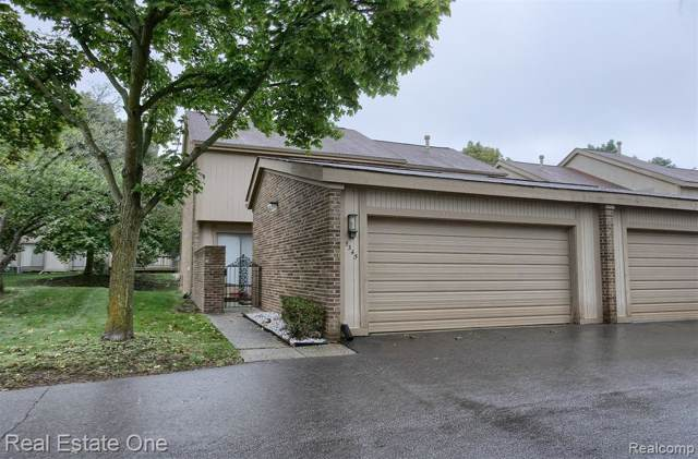 5345 W Wright Way W, West Bloomfield Twp, MI 48322 (#219103888) :: The Buckley Jolley Real Estate Team