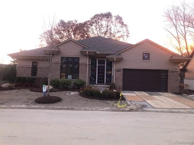 3921 Legacy Hills Drive, Bloomfield Twp, MI 48304 (#219104070) :: Team Sanford