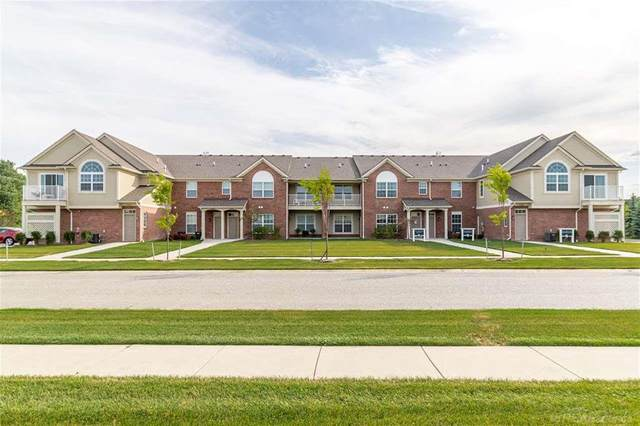 21908 Aberdeen Drive, Macomb Twp, MI 48042 (#58031397116) :: The Mulvihill Group
