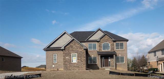 386 Overlook Drive, Oxford Twp, MI 48371 (#219104442) :: The Alex Nugent Team | Real Estate One