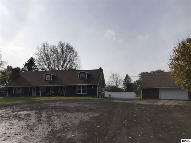 252 Burtch Rd, Grass Lake, MI 49240 (MLS #55201903883) :: The Toth Team
