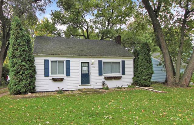 552 Armstrong Road, Lansing, MI 48911 (#630000241832) :: The Mulvihill Group