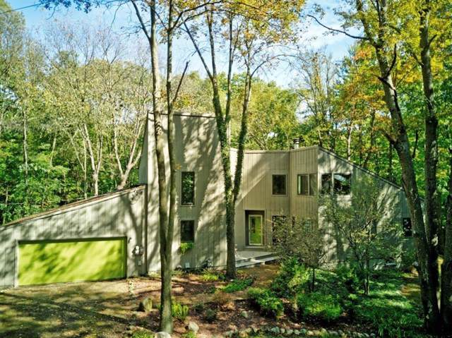 8032 Donovan Road, Webster Twp, MI 48130 (#543269430) :: The Buckley Jolley Real Estate Team