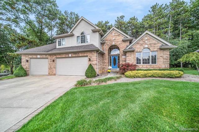 1838 Preswick Court, Oxford Twp, MI 48371 (MLS #219107486) :: The Toth Team