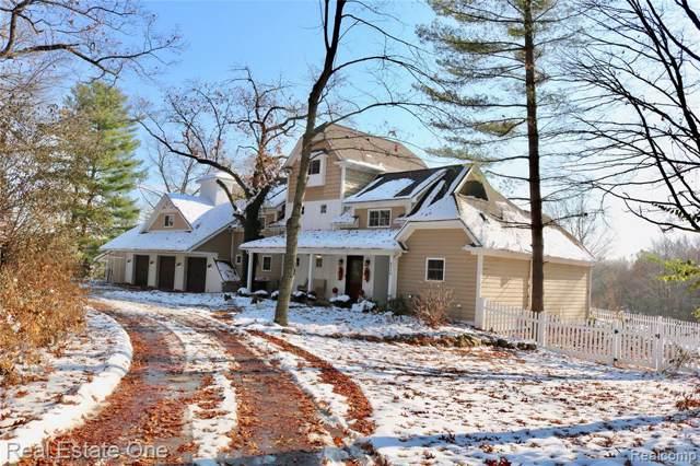 8550 Winans Lake Road, Green Oak Twp, MI 48116 (#219111925) :: GK Real Estate Team