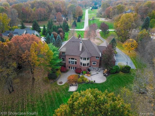 1723 Mystic Hills Drive, Milford Twp, MI 48380 (#219113529) :: The Buckley Jolley Real Estate Team