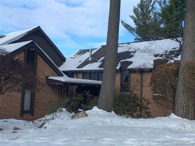 1883 Pine Ridge Lane, Bloomfield Twp, MI 48302 (#219116854) :: Duneske Real Estate Advisors