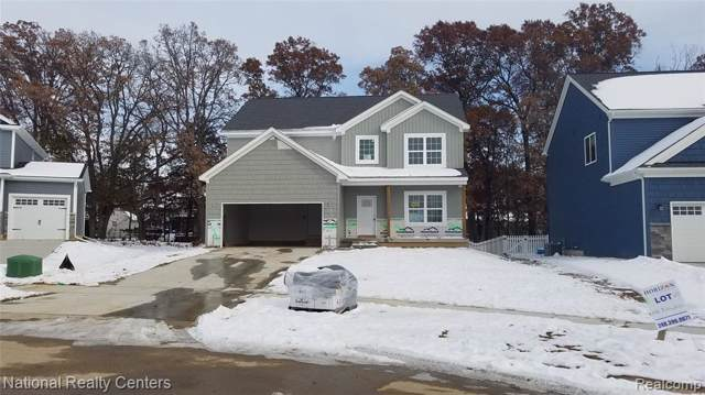 2166 Rolling Hills Drive, Holly Twp, MI 48442 (#219119067) :: The Buckley Jolley Real Estate Team