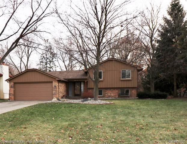 5134 Old Cove Road, Independence Twp, MI 48346 (#219121032) :: Springview Realty