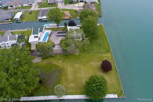 103 Lockhaven Ln, Algonac, MI 48001 (#219123036) :: Robert E Smith Realty