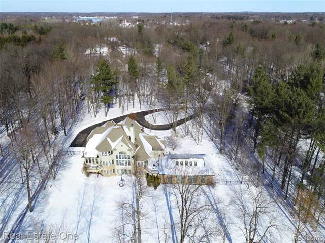 797 Knight's Bridge, Addison Twp, MI 48367 (#2200002022) :: The Mulvihill Group