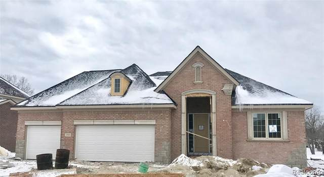 2903 Secret Way, Commerce Twp, MI 48390 (#2200003094) :: The Mulvihill Group