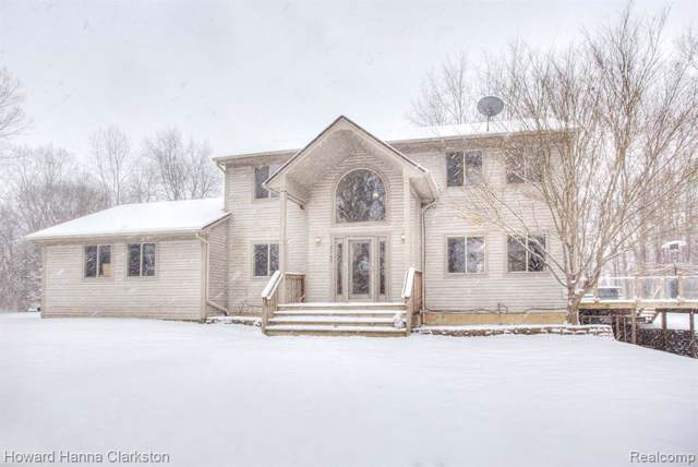2145 Middle Road, Highland Twp, MI 48357 (#2200003763) :: The Buckley Jolley Real Estate Team