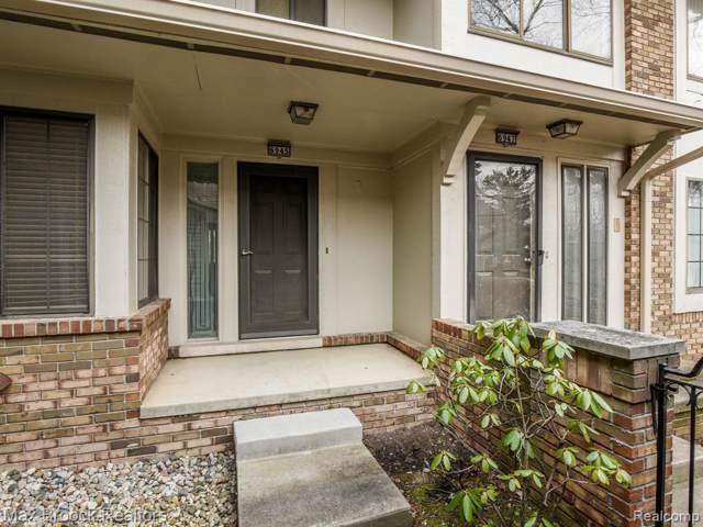 6945 Pebblecreek Woods Drive, West Bloomfield Twp, MI 48322 (#2200004727) :: RE/MAX Nexus