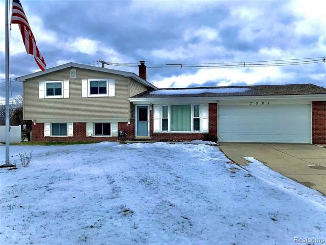 2865 Red Arrow Drive, Commerce Twp, MI 48382 (#2200006552) :: The Mulvihill Group