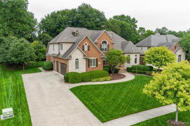 23743 Point O Woods Court, Lyon Twp, MI 48178 (#2200007692) :: The Buckley Jolley Real Estate Team
