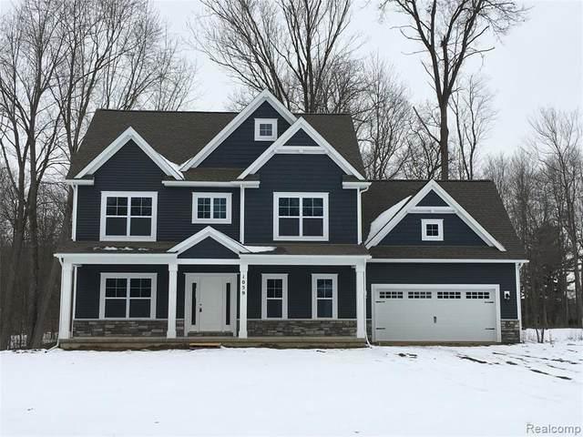 1059 Woods Edge Dr., Hartland Twp, MI 48353 (#2200009673) :: The Buckley Jolley Real Estate Team