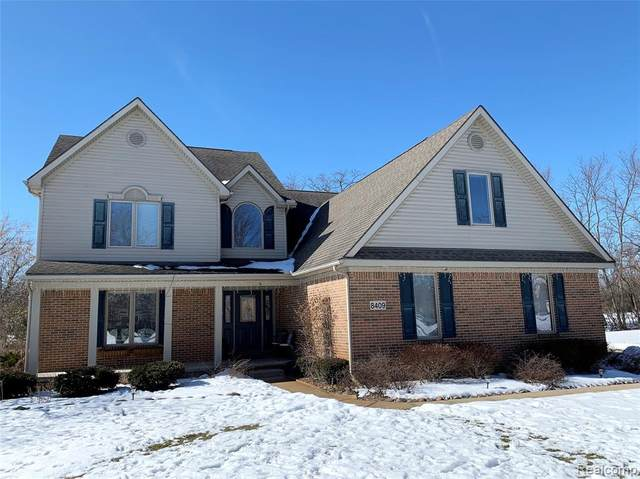 8409 Saddlewood Circle, Green Oak Twp, MI 48116 (#2200012768) :: The Buckley Jolley Real Estate Team