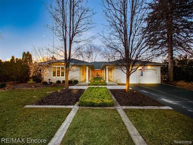 6323 Middle Lake Road, Village Of Clarkston, MI 48346 (#2200014184) :: Keller Williams West Bloomfield
