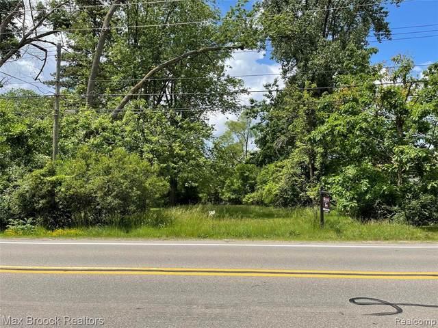 0000 Green Lake Road, West Bloomfield Twp, MI 48324 (#2200015756) :: NextHome Showcase