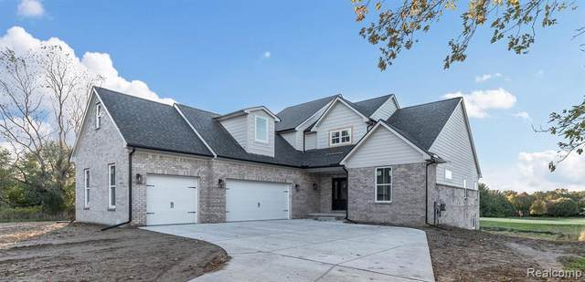 0000 Gleneagles, Highland Twp, MI 48357 (MLS #2200021631) :: The John Wentworth Group