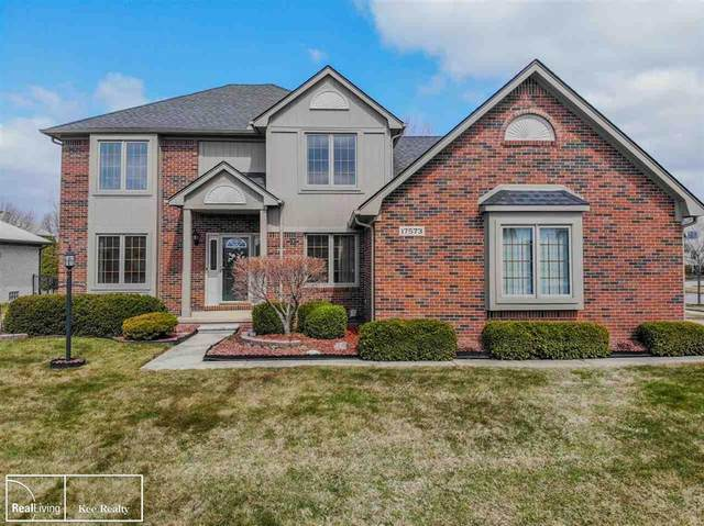 17573 Silver Maple Dr., Macomb Twp, MI 48044 (#58050008599) :: Alan Brown Group