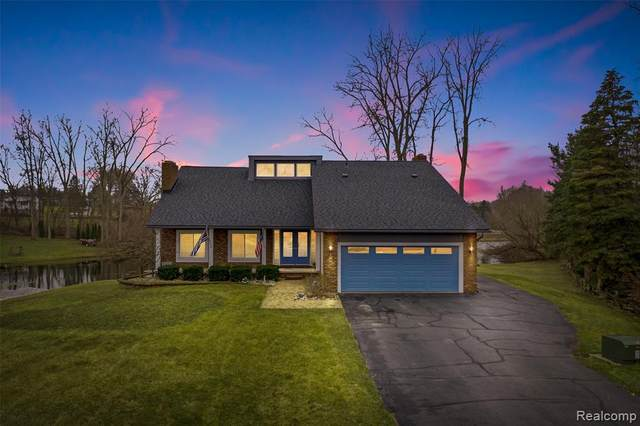 1314 Scottwood Court, White Lake Twp, MI 48383 (#2200022906) :: Team DeYonker