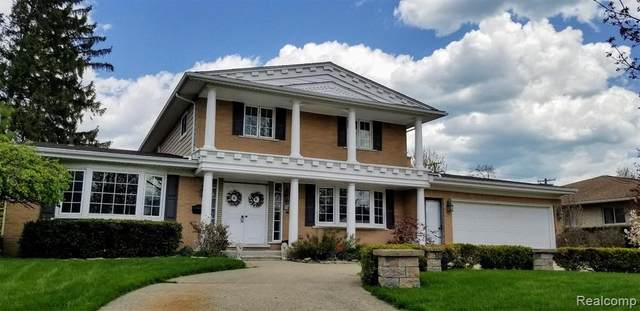 16 Crestwood Drive, Village of Grosse Pointe Shores, MI 48236 (MLS #2200027859) :: The Toth Team