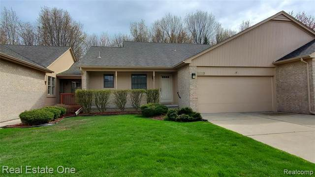 23548 Suttons Bay Drive #73, Clinton Twp, MI 48036 (MLS #2200028251) :: The John Wentworth Group