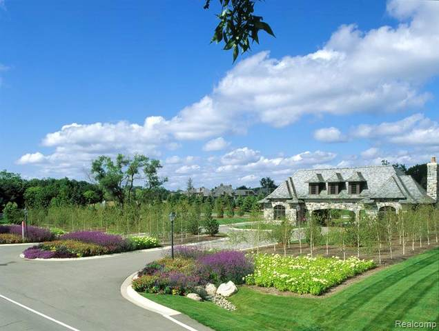 2756 Turtle Bluff Drive, Bloomfield Twp, MI 48302 (MLS #2200028687) :: The John Wentworth Group