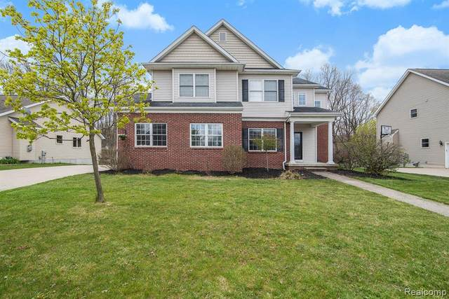 4198 Oak Street, Grand Blanc Twp, MI 48439 (#2200030705) :: The Merrie Johnson Team