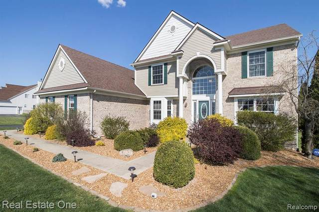 7160 Hickory Creek Drive, Webster Twp, MI 48130 (MLS #2200031187) :: The Toth Team