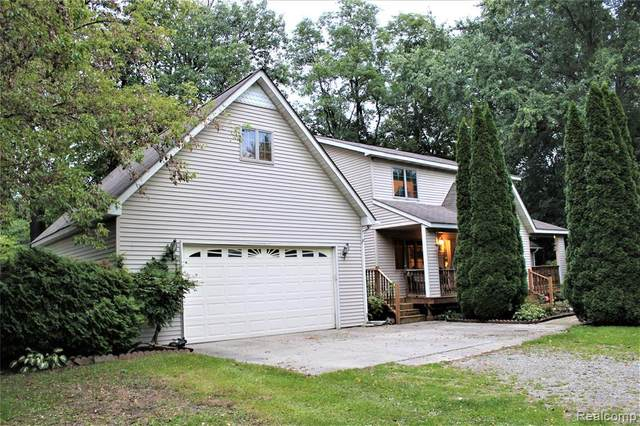 2475 S Ortonville Road, Brandon Twp, MI 48462 (#2200031696) :: The Alex Nugent Team | Real Estate One