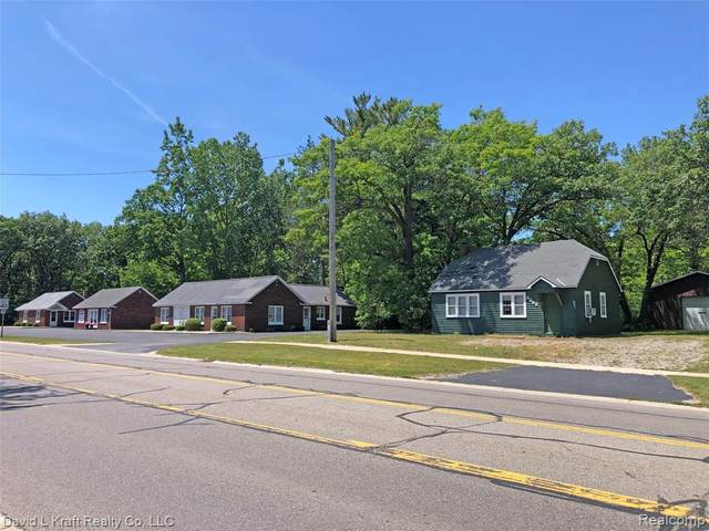 6900 Main Street, Caseville, MI 48725 (MLS #2200032248) :: The Toth Team