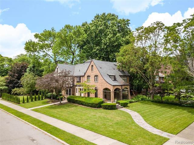 905 Berkshire Road, Grosse Pointe Park, MI 48230 (#2200034096) :: Keller Williams West Bloomfield