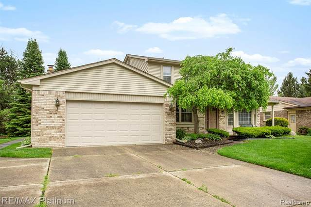 16858 White Haven Drive, Northville Twp, MI 48168 (MLS #2200034504) :: The John Wentworth Group