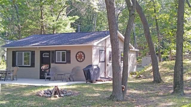 4557 Trail Road, Lake Twp, MI 48725 (MLS #2200034633) :: The Toth Team