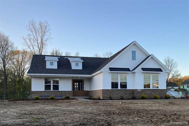 2360 Walnut View Drive (Homesite 29), Hartland Twp, MI 48855 (MLS #2200035324) :: The Toth Team