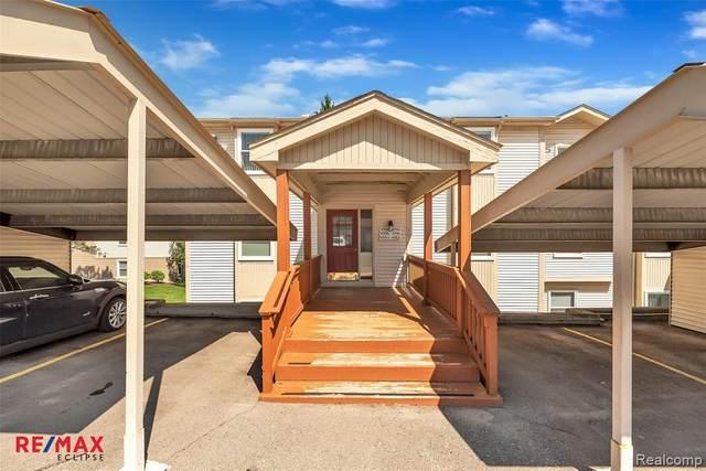4988 Oak Hill Dr # 58, Waterford Twp, MI 48329 (#2200036949) :: Duneske Real Estate Advisors
