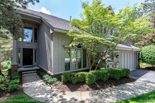 4801 Mirror Lake Drive, West Bloomfield Twp, MI 48323 (#2200040617) :: RE/MAX Nexus