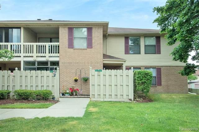 61154 Greenwood Drive, South Lyon, MI 48178 (#2200046383) :: Novak & Associates