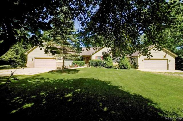 2968 Texter Road, Addison Twp, MI 48367 (#2200049528) :: The Mulvihill Group