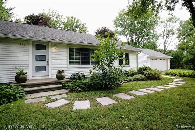 1805 Wellington Avenue, Bloomfield Twp, MI 48302 (#2200049749) :: Novak & Associates